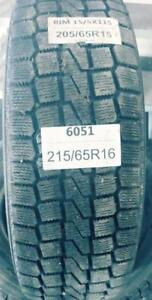 PNEUS HIVER USAGÉS / USED WINTER TIRES 205/65R15 20565R15 YOKOHAMA STUDLESS K2 F720 (2 DE DISPONIBLES)