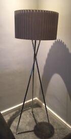 Bhs tripod lamp