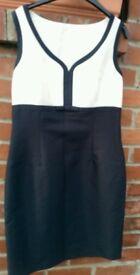 STUNNING DESIGNER Black Cream dress from Hobbs. UK 12 **Selling @ £ 29.50