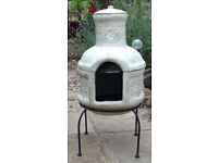 La Hacienda Clay Chiminea/Chimenea with grill and cover