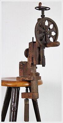 Antike Bohrmaschine Wanderarbeiter