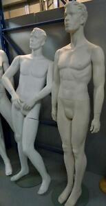 Lot de mannequins