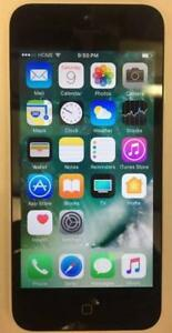 Iphone 5C Unlocked 16GB Black On White. compatible with freedom mobile