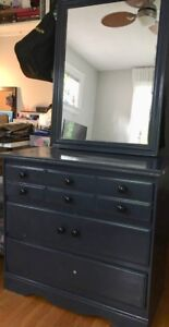 Dresser / Chest of Drawers and Mirror - Solid Wood - 3 Drawers