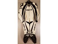 Postage Available *BKS Leopard One Piece *Leather Motorcycle Race Suit *EU50 UK40 *Inc. Knee Sliders