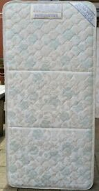 high quality single size mattress, 190 x 90 x 20cm thick. In excellent clean condition.