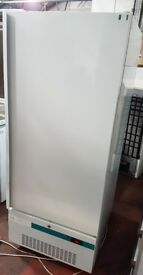 LEC PE1602 - Solid Door Pharmacy Medical Refrigerator, FRIDGE 441 ltrs