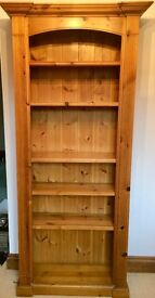 High Quality Pinewood Bookcase