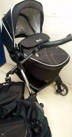Silvercross Wayfarer Travel system in Black with Accessories REDUCED!