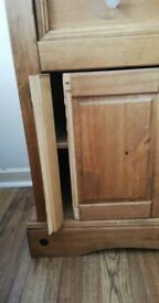 Corona Side cabinet