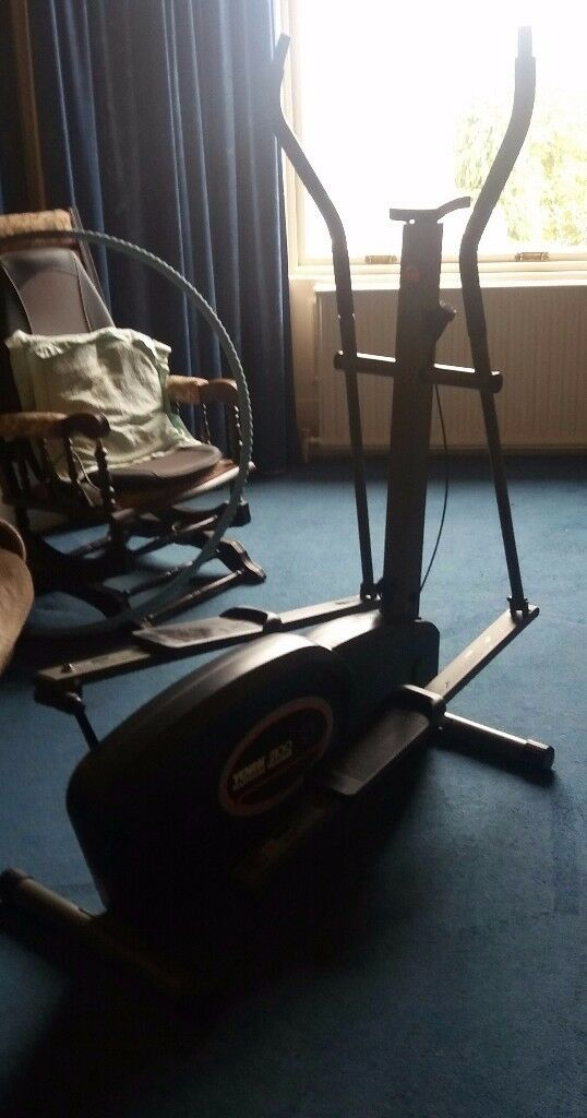 York 2100 Elliptical Trainer in good condition complete with manual.