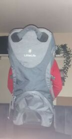 LITTLE LIFE CROSS COUNTRY PREMIERE CHILD CARRIER