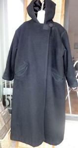 PLUS 2X XXL INUIT HAND-MADE LONG BLACK WOOL COAT // VERY WARM // HOOD // QUILTING EMBROIDERY // SATIN LINING