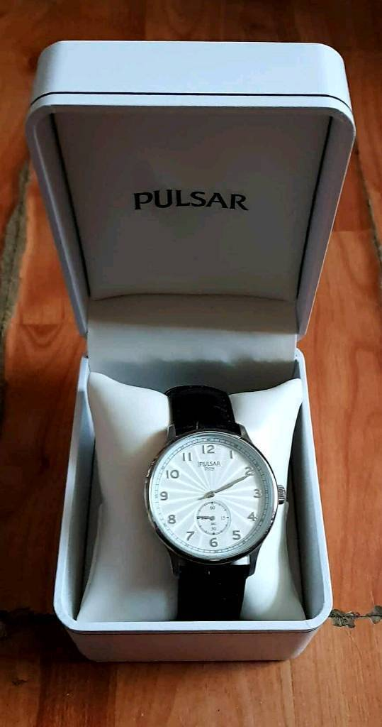 Pulsar brown leather strap mens watch