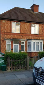 3 bedroom house newly refurbished available to rent in Alperton/HangerLane (£2000 per month)