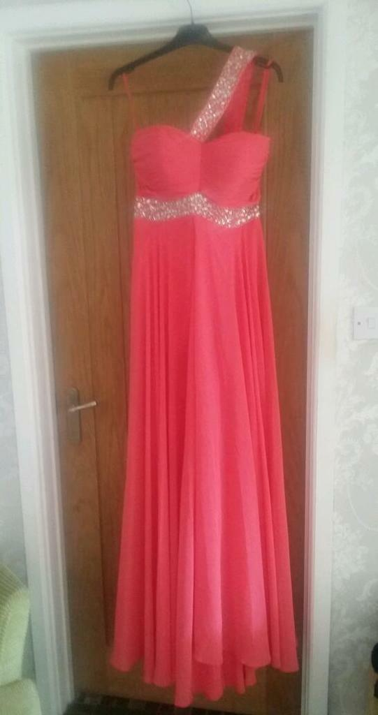 Stunning dress size 12