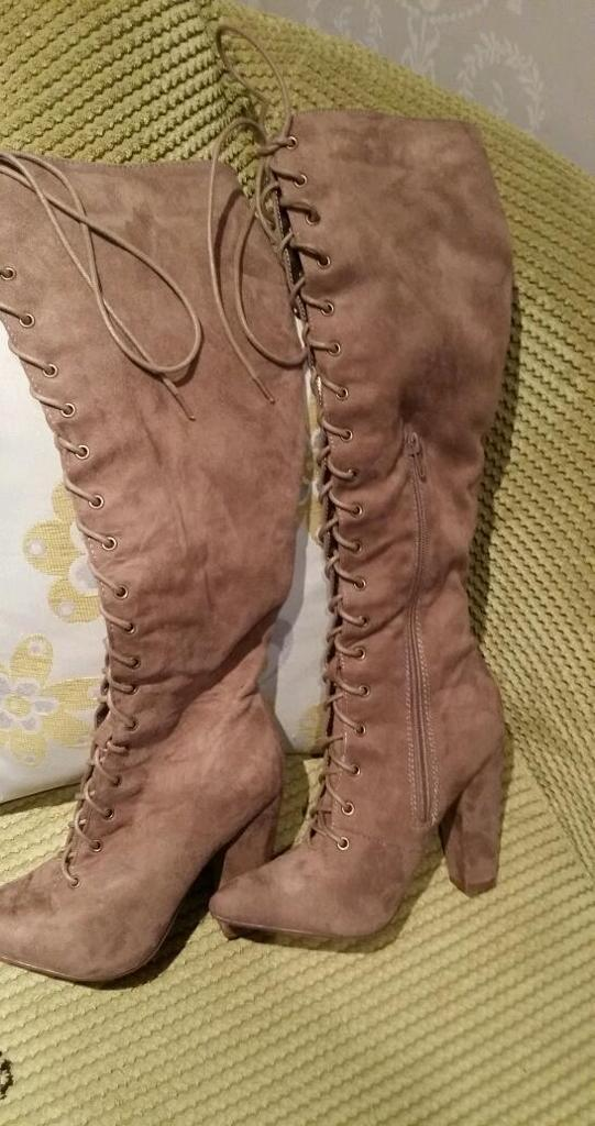 Stunning suede boots size 4