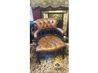 Beautiful vintage tan chesterfield chair