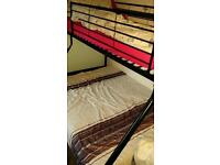 Triple bunk bed including 2 mattresses