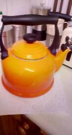 Leucrueset kettle Volcanic orange