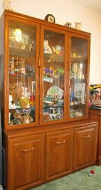 Glass fronted Dresser/Display Cabinet