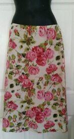 New-Lovely Marks and Spencer Vibrant Silk Skirt Size 12 - RRP £39.99