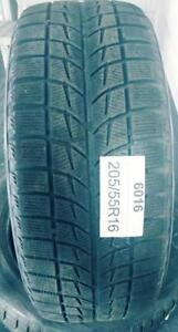 PNEUS HIVER USAGÉS / USED WINTER TIRES 205/55R16 20555R16 BLIZZAK WS 60 BRIDGESTONE (2 DE DISPONIBLES)