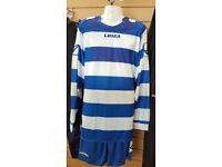 10 x Football kit size 2XL