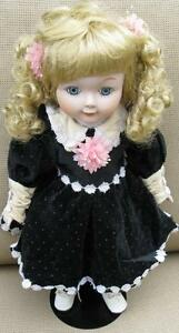 Porcelain Dolls x 6 ( Great for Christmas!) London Ontario image 2