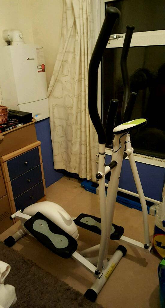 Davina Cross Trainer