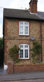 Pretty 2/3 Bedroom, 2 Bathroom cottage to rent in Guildford Town Centre. Easy walk to both stations