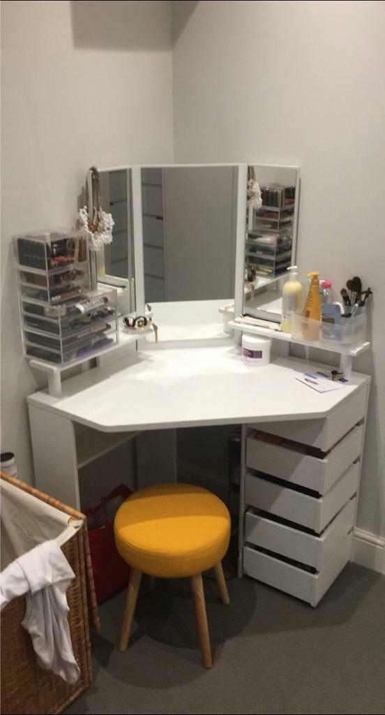 Mirrored Vanity Table And Stool: White Corner Dressing Table With Large Mirror, 5 X Fold