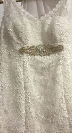 Ivory French lace display wedding dress in as new condition size 12-14