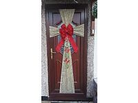Christmas door bowes