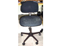 ***FREE TO COLLECT*** Office / Typist swivel chair on castors. Old. Comfy. Rear of back rest damaged