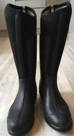 MUDRUCKER waterproof boots size 3 by just togs