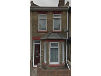 Double Room, Rochester Avenue, Rochester. From £450 pm INC Bills. Short walk to Station