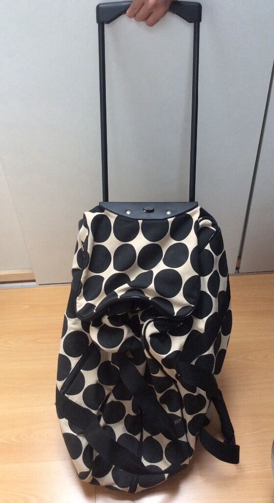 Suitcase travel bag/trolley