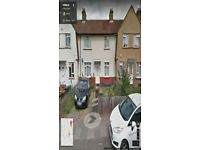 BEAUTIFUL 3/4 BEDROOM HOUSE READY TO MOVE IN BARKING (IG11) GOOD PART/DSS WELCOME