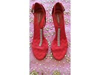 New Ann Marino Red Satin Zig Zag Quilted & Diamanté Strappy T-Bar Sandals/ Shoes: Size: 7/8. Prom