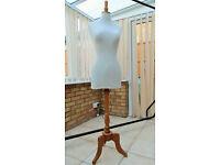 Mannequins/ Tailor Dummies:- Show Wedding Gowns at their best