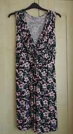 Red Herring Maternity Black floral maternity dress - size 20