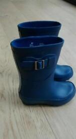 Blue kids wellies size 7