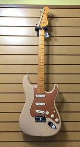 Guitare Electrique FENDER USA ( B069592 )