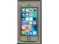 BRAND NEW IN BOX UNUSED Apple iPhone 5S 16GB Gold & White Unlocked Any Network & 2 BRAND NEW Cases