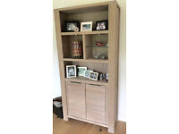 Display cabinet / storage unit - in as new condition