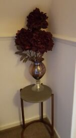 Glass Vases x 2 & BEAUTIFUL MATCHING artificial flower display