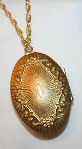 Shiny Art Deco Inspired Goldtone Locket Pendant Necklace