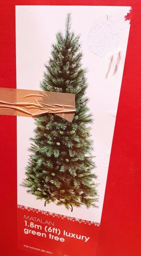 christmas tree 6ft boxed. hinged branches