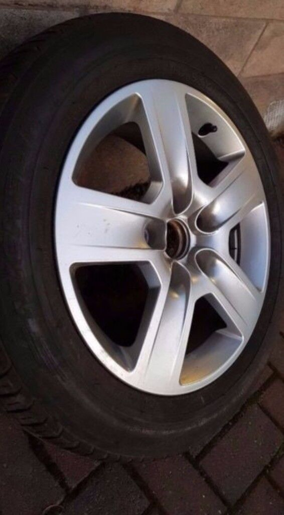 Original Audi alloy with michelin tyre (16 inch 5 x 112)